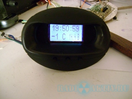 Часы, вольтметр и термометр для автомобиля на AtMega8 и LCD Nokia 1202(1208)