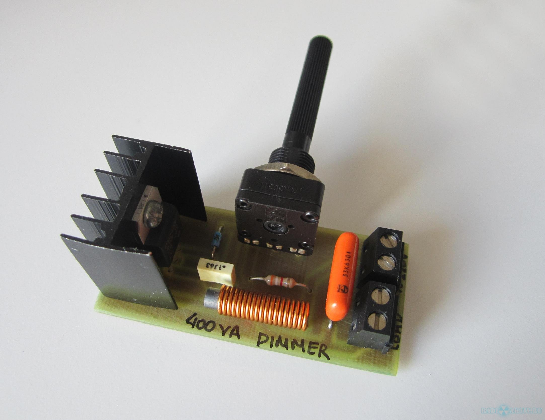 схема регулятора мощности на симисторе и микросхеме